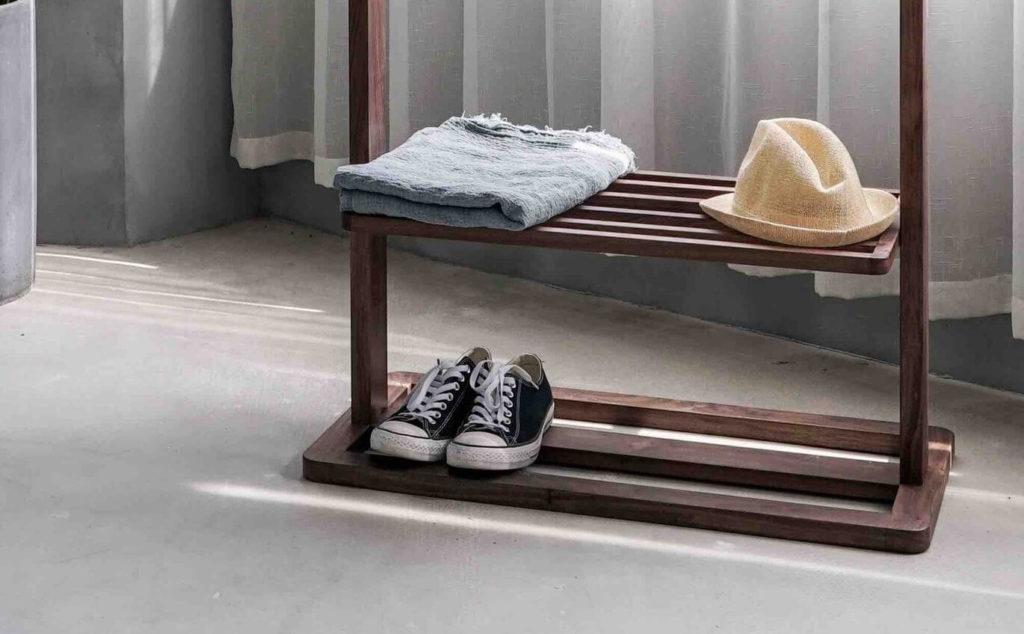 Schuhablage hält die Wohnung sauberer